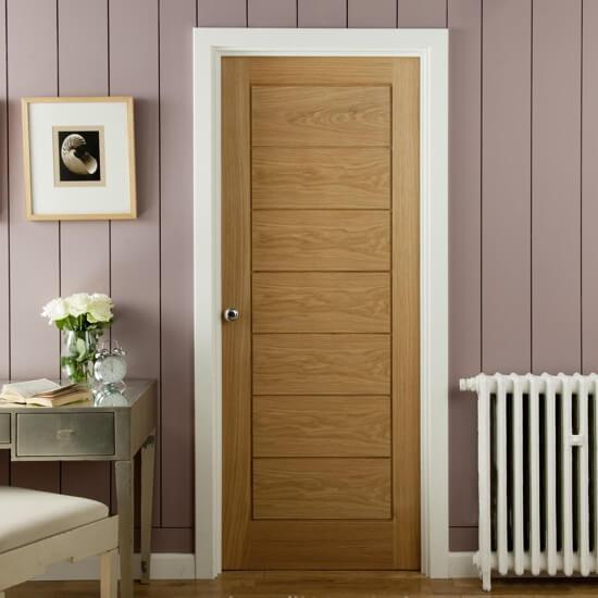 Mẫu cửa gỗ công nghiệp MDF veneer đơn giản đầy tinh tế