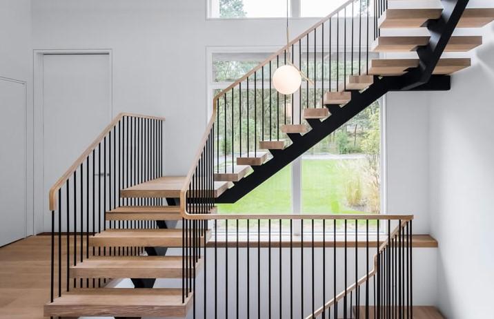 Cầu thang bằng gỗ công nghiệp có thiết kế kiểu dáng hiện đại