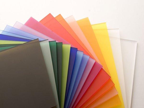 Gỗ acrylic có đa dạng mẫu mã và màu sắc chủng loại